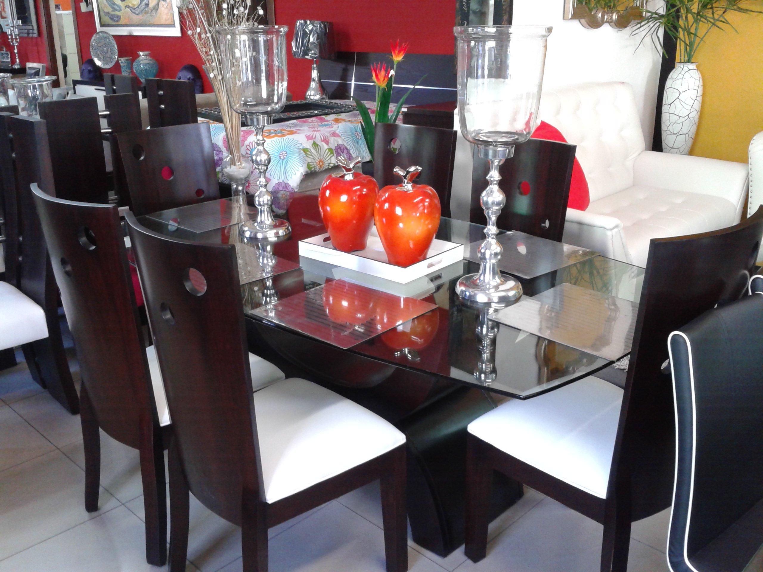Homero muebles comedor caoba con tope de cristal for Muebles estilo l